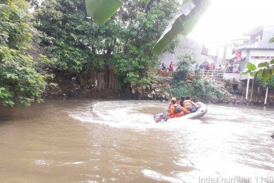 Bocah 12 tahun tenggelam di Kali Pesanggrahan