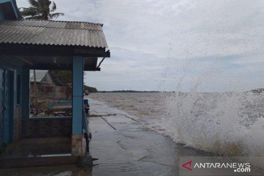 Puluhan rumah warga di Belitung terendam banjir