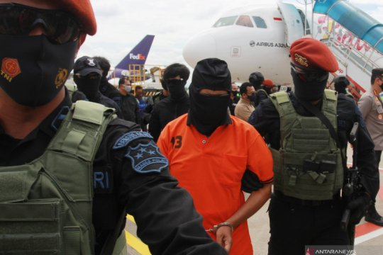 Anggota DPR sambut baik  penyidangan tiga terduga pelaku bom Bali