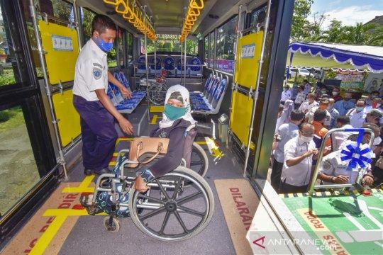 Bus khusus siap layani penyandang disabilitas di NTB