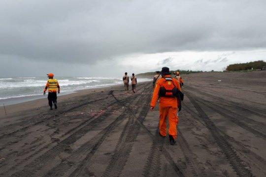 Tim SAR sisir Pantai Parangkusumo Bantul cari korban terseret ombak