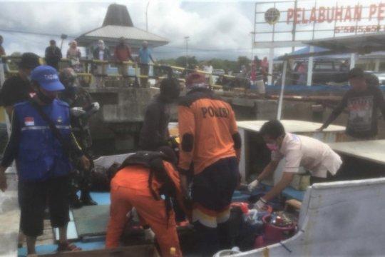 Basarnas evakuasi korban KM Lapamas di Perairan Selayar