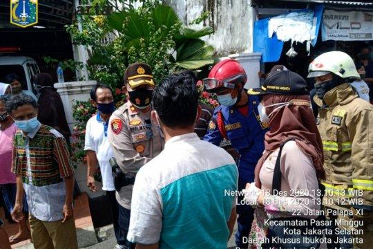 Kebakaran di Pasar Minggu diduga akibat selang tabung gas bocor