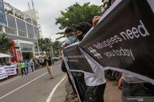 Aksi protes imigran di UNHCR Medan