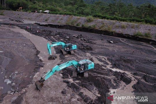 Dinas Pengairan Jatim mulai garap pengalihan aliran lahar Semeru