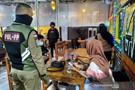Kafe dan pasar di Palembang sasaran utama razia protokol kesehatan