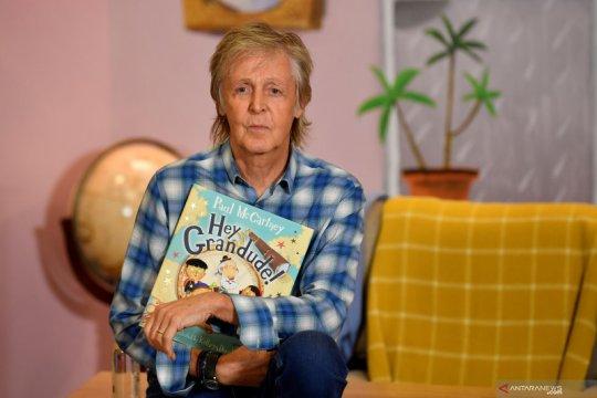 """Kisah Paul McCartney """"The Beatles"""" diadaptasi jadi serial dokumenter"""