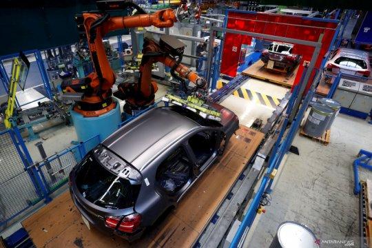 Mercedes-Benz akan tutup pabrik di Brasil gara-gara krisis COVID-19