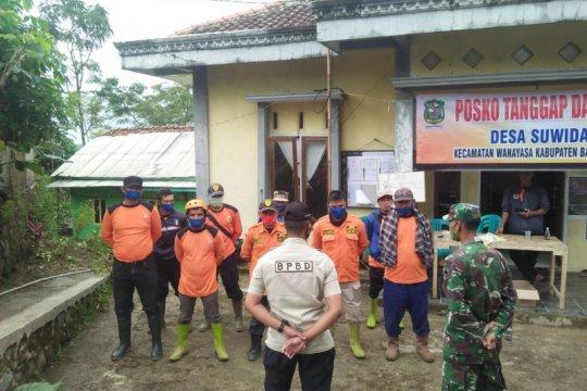 BPBD: 25 orang masih mengungsi akibat longsor di Suwidak