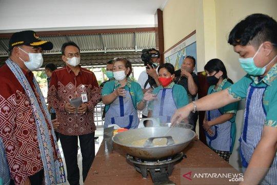 Dirjen Rehsos bangga produk abon ikan cakalang disabilitas netra
