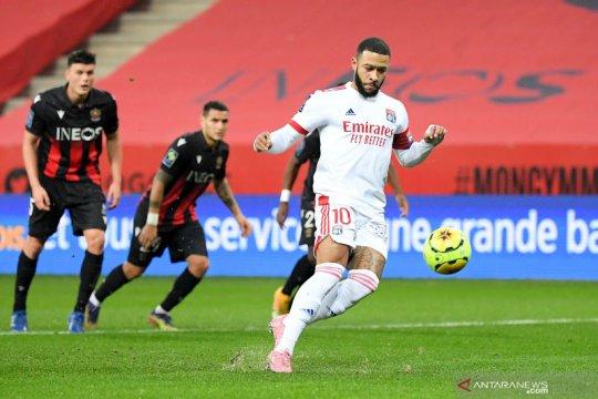 Lyon ambil alih puncak berkat kemenangan 4-1 atas Nice