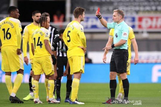 Newcastle hanya raih satu poin setelah diimbangi 10 pemain Fulham