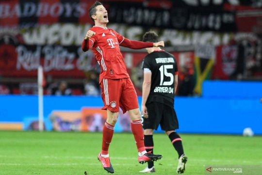 Liga Jerman: Dua gol Lewandowski antar Bayern ke puncak klasemen sementara