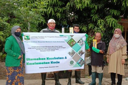 Unand bimbing petani gambir terapkan kesehatan dan keselamatan kerja