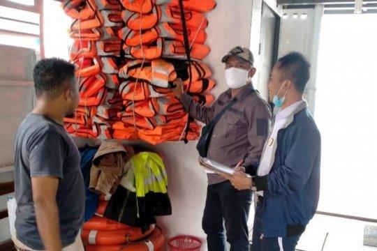 Kapal penumpang di Danau Toba uji fisik hadapi libur akhir tahun