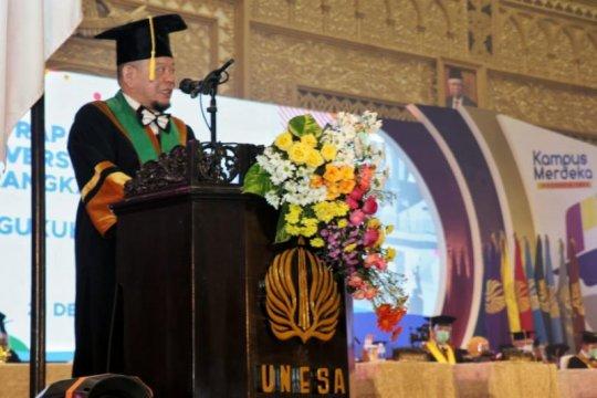 Ketua DPD RI: Prestasi Prof Adi Utarini-Tri Mumpuni jadi kado Hari Ibu