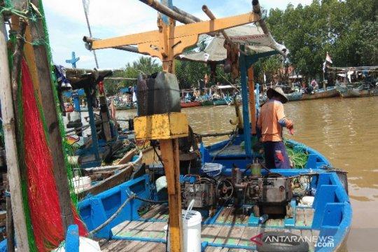 Nelayan Batang minta PLTU tertibkan pembuangan lumpur dermaga