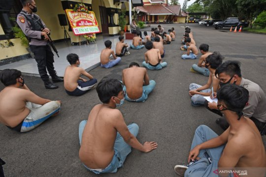 Polisi amankan pelajar yang langgar protokol kesehatan