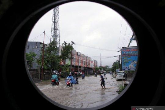 Hujan lebat diprakirakan meliputi sebagian wilayah pada akhir tahun