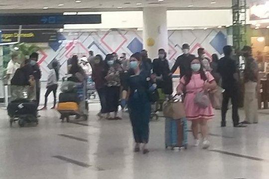 Pemudik di Bandara Kualanamu terus berdatangan