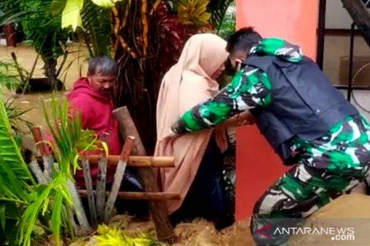 TNI-Polri-Basarnas bergerak cepat tangani banjir Gorontalo Utara