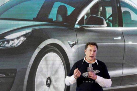 Elon Musk ungkap bos Apple pernah tolak akuisisi Tesla