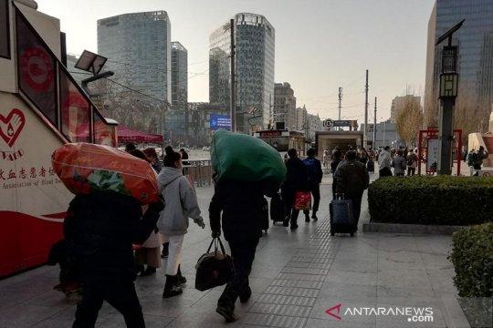 Hari pertama musim mudik sepi, Beijing perketat kedatangan