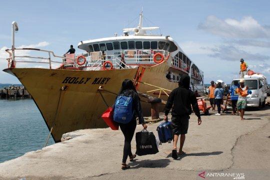 Arus mudik Natal di Pelabuhan Manado turun 40 persen