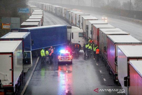 Pengusaha: Visa sementara Inggris bukan solusi atas krisis sopir truk