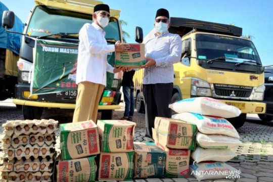 Ribuan korban banjir di Aceh Utara dan Aceh Timur terima bantuan beras