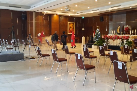 Gereja St Yohanes Penginjil gelar misa malam Natal tatap muka