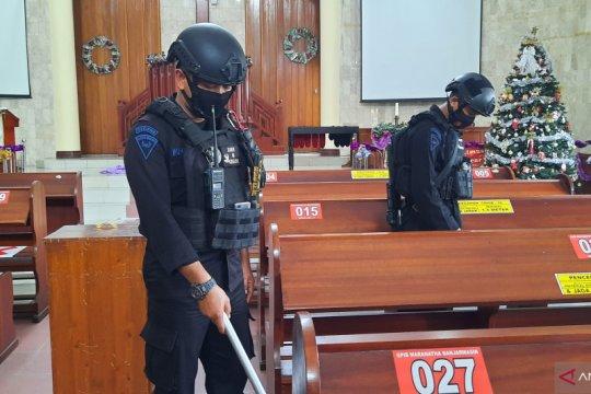 Polda Kalsel sterilisasi seluruh gereja jelang misa Natal