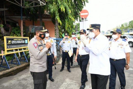 Kakorlantas dampingi Menhub sidak prokes Terminal Kampung Rambutan