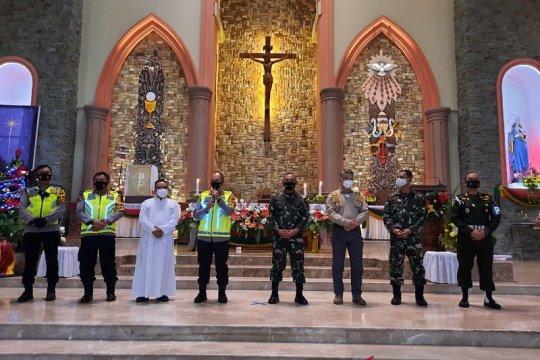 Kepala Polda Jambi ucapkan selamat Natal kepada jemaat gereja khatolik