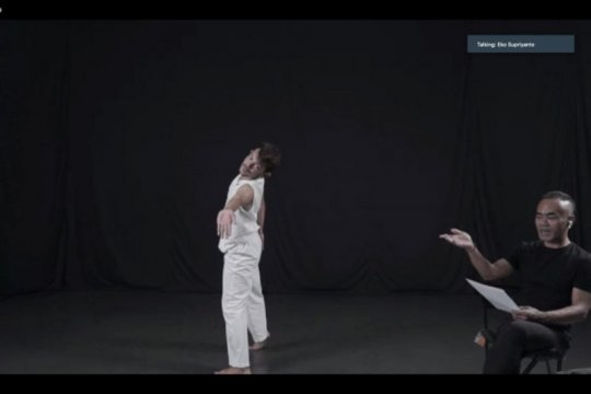 Koreografer Eko Supriyanto berbagi ilmu lewat kelas tari virtual