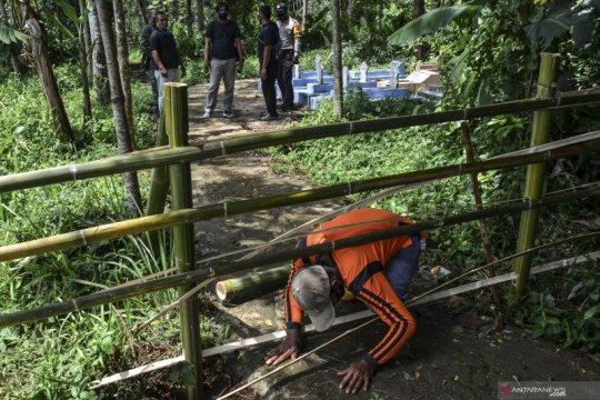 Kalah pilkades, mantan calon Kades tutup akses jalan ke pemakaman