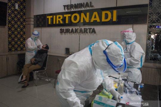 Terminal bus Tirtonadi sediakan layanan swab antigen