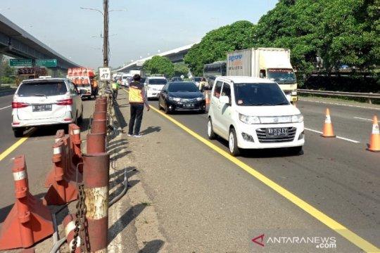 """Tol Jakarta-Cikampek sempat diterapkan """"contraflow"""" 21 kilometer"""