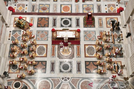Misa Malam Natal di Vatikan