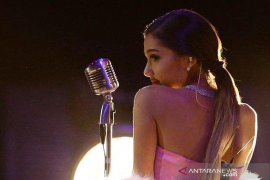 Ariana Grande berikan hadiah Natal untuk pasien rumah sakit