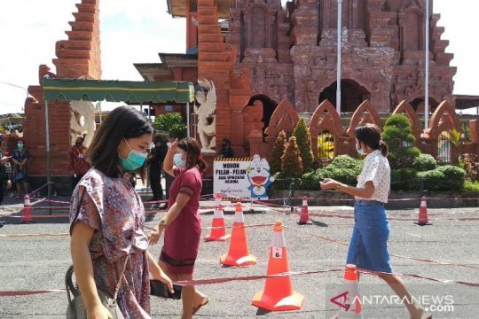 Jemaat patuhi protokol kesehatan di Gereja Katedral Denpasar-Bali