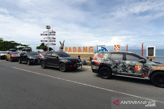 "Pajero Indonesia One tuntaskan ""Tour de Ranah Minang 2020"""