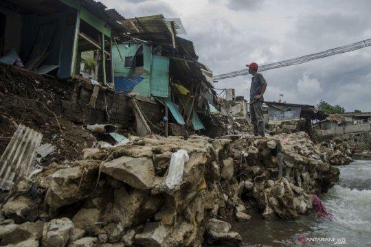 Kerusakan akibat banjir di Bandung