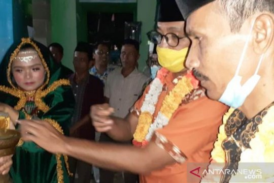 KPU Solok Selatan tetapkan Khairunas-Yulian Efi