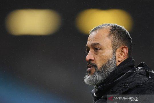 Wolverhampton akan belanja pemain untuk cari pelapis Raul Jimenez