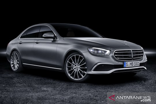 Mercedes-Benz E-Class 2021 diam-diam hilangkan ornamen kap ikonisnya