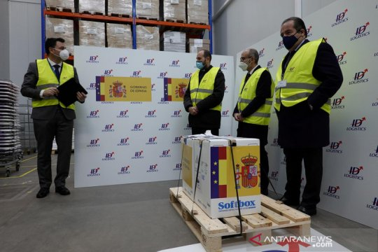 Pejabat di Spanyol mengundurkan diri setelah potong antrean vaksin