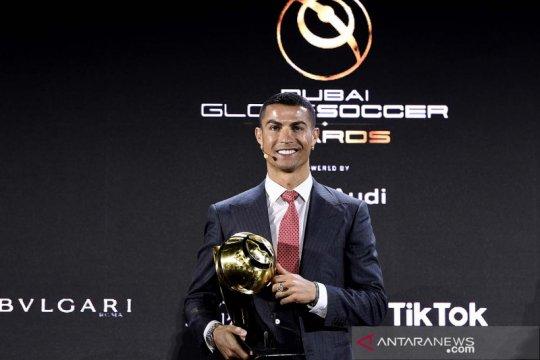 Cristiano Ronaldo tidak akan desak putranya untuk jadi pesepak bola