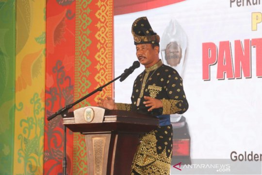 Muhammad Rudi dapat penghargaan sebagai Wali Kota Peduli Pantun