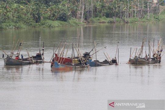 Maraknya penambangan pasir ilegal di Sungai Brantas Kediri